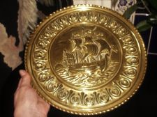VINTAGE BRASS WALL PLATE DEEP 3D RELIEF DESIGN SAILING GALLEON SHIP SUNRISE